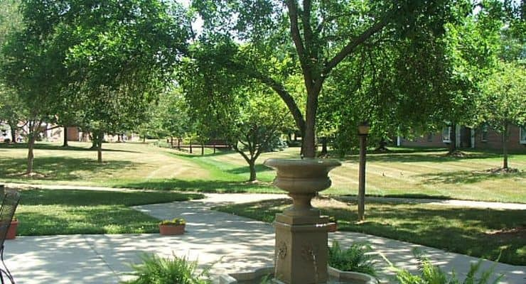 Colonial Heights and Gardens Walkways