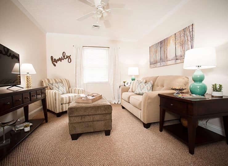 Commonwealth Senior Living at Christiansburg Living Room