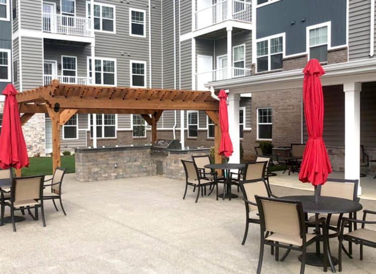 Encore Apartments outside grill