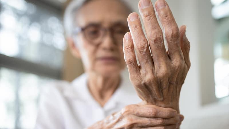 Senior whose hands and feet fell asleep