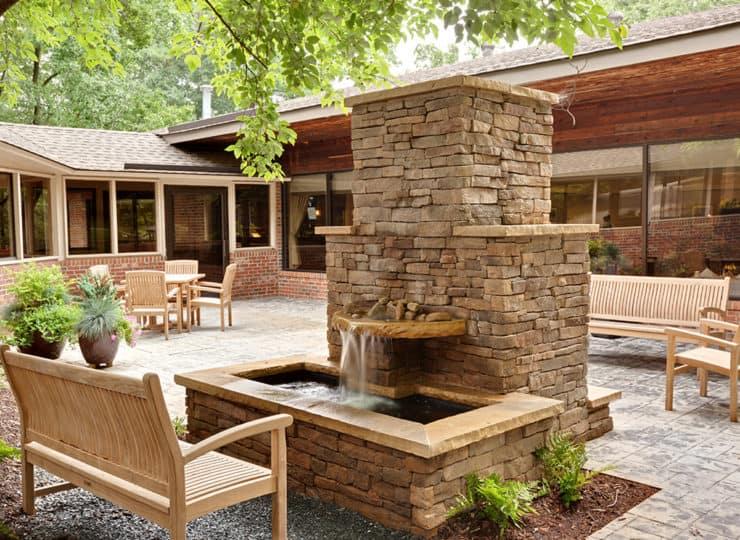 The Oaks At Whitaker Glen Outdoor Courtyard