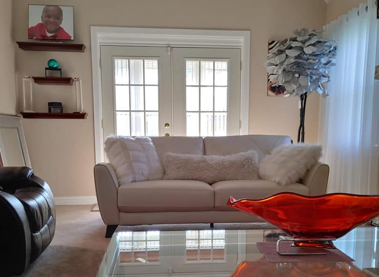A List Cleaning and Transportation Clean Living Room