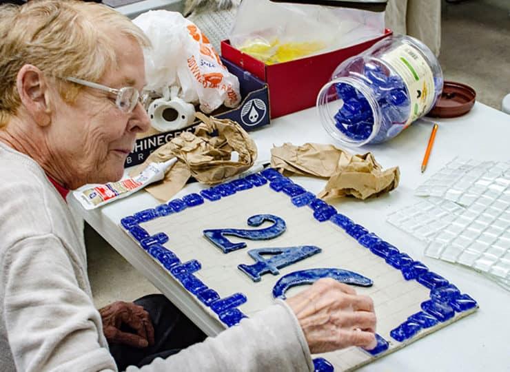 Baker Hunt Art and Cultural Center Senior Lady Crafts
